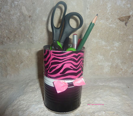 Pencil cup with bow tie