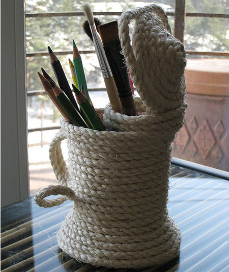 Pen/pencil holder