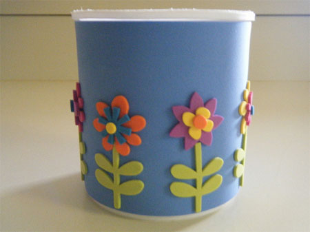 Pencil cup with flowers